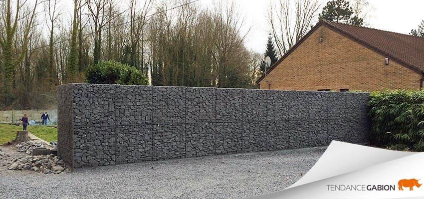 Tendance Gabion, mur anti-bruit de 1m de largeur/épaisseur sur 2m de hauteur. Au delà de 1m de hauteur, le gabion se monte par rangs.
